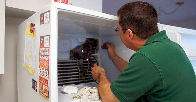 Ошибки при разморозке холодильника могут привести к поломке