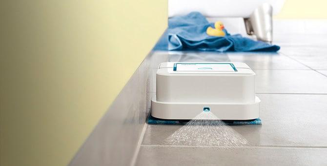 Робот с функцией влажной уборки