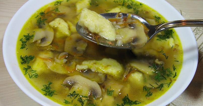 Суп с клецками с грибами
