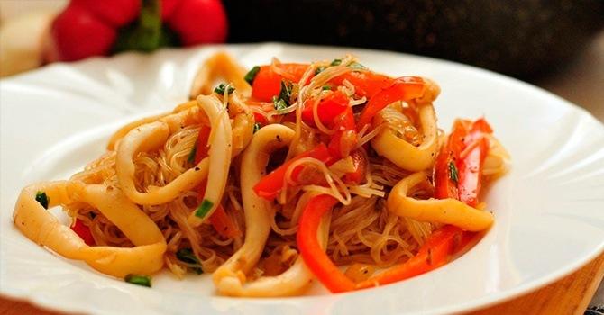 Рецепт с кальмарами и грибами