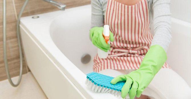 Разберем, как отбелить ванну в домашних условиях