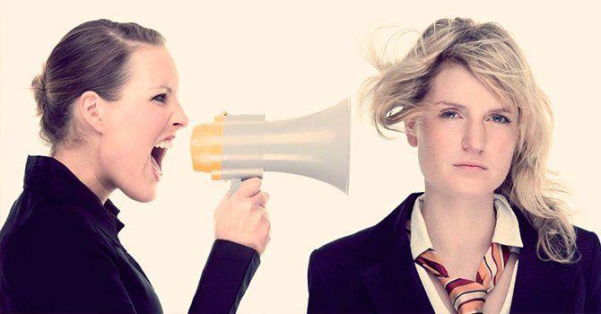 Как ответить на оскорбление и агрессию: без мата, смешно, достойно, с сарказмом, красиво, как послать человека, как отвечать на грубость.