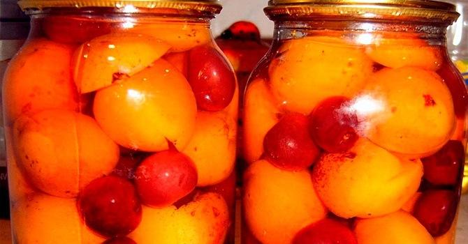 Компот из вишни и абрикосов на хранение