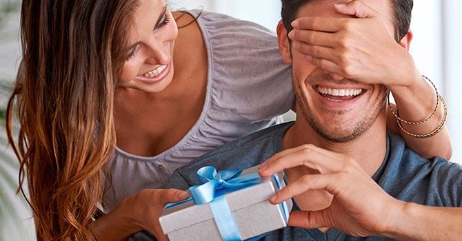 Мужчины, как дети любят подарки