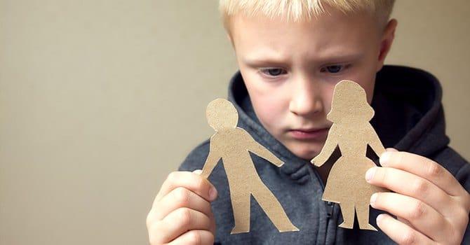 С кем останется ребенок при разводе