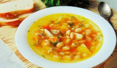 Приготовим куриный суп с фасолью