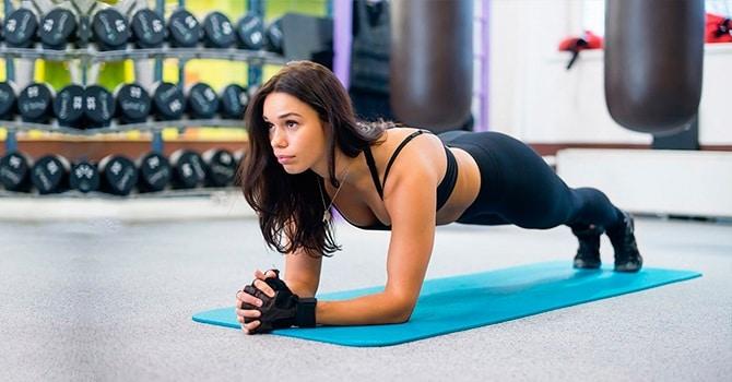 Необходимо регулярно заниматься спортом и отказаться от вредных привычек