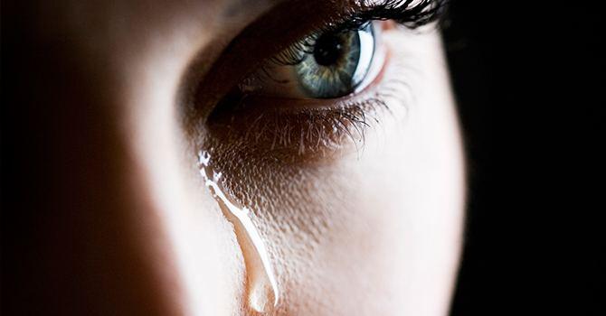 Нужно выплакать боль и обиду
