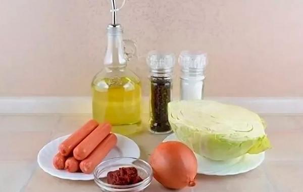 Солянка по-деревенски с сосисками – кулинарный рецепт