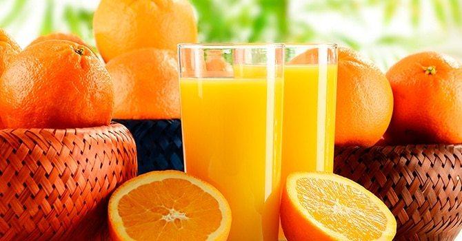 Сок и фрукты полезны для взрослых