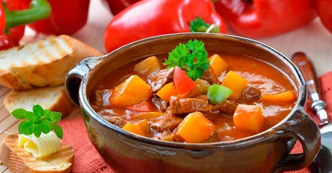 Рецепт супа-гуляша с консервированным горошком