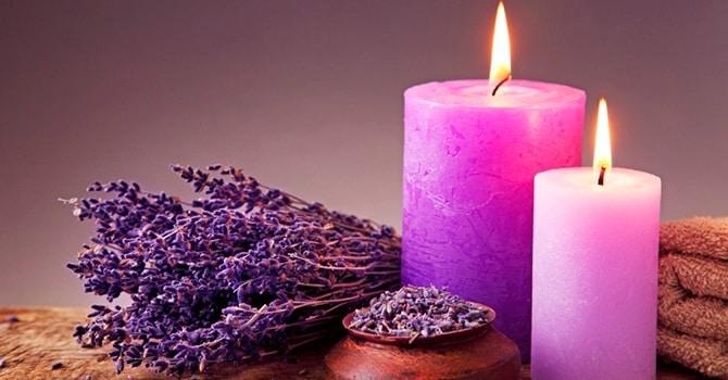 Свечи с ароматом лаванды для ароматерапии