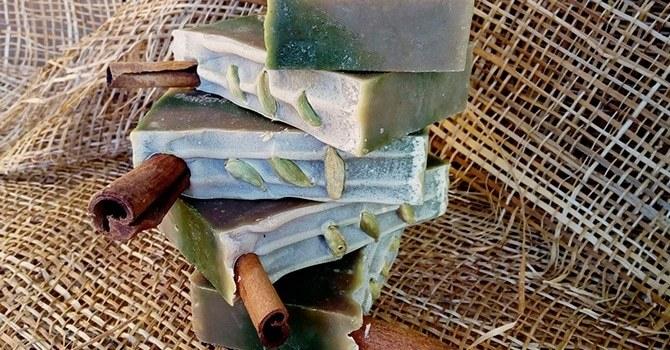 Натуральное мыло с кардамоном