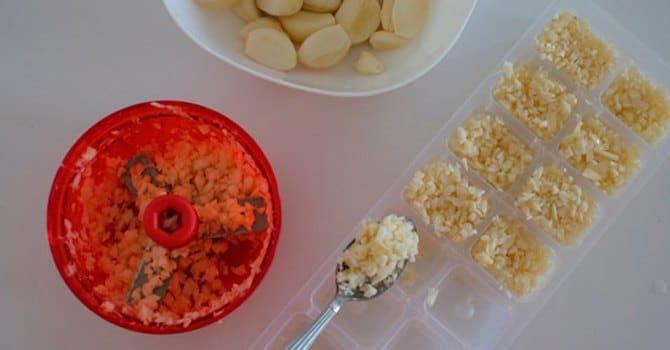 Подготовка чеснока для хранения в морозилке