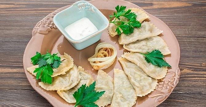 Вареники с сырой картошкой - 6 рецептов