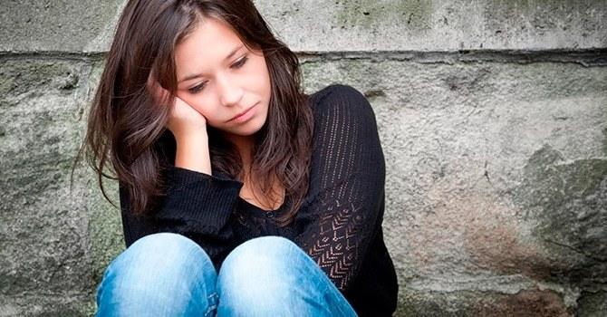 Женщина-меланхолик часто печалится