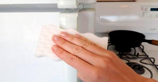 Чистка ручки холодильника перекисью водорода