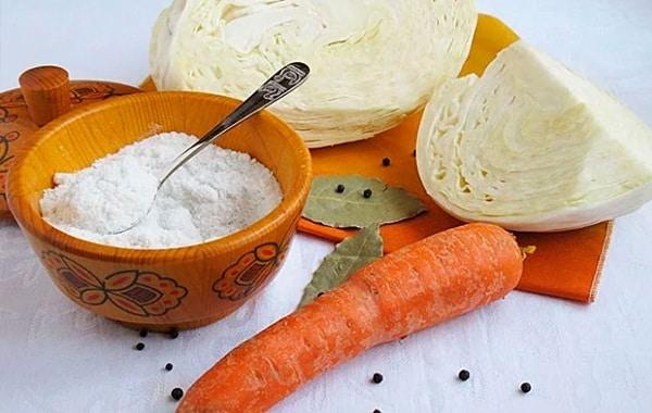 Самые вкусные рецепты маринованной капусты, залитой холодным маринадом