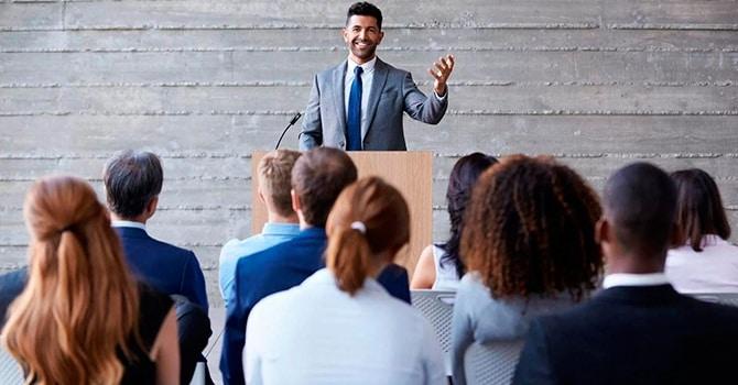 Оратор с харизмой