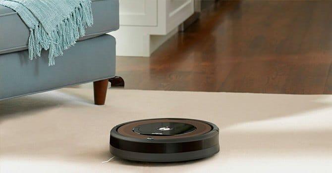 Робот-пылесос работает без участия человека