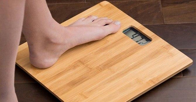 Напольные весы с бамбуковой платформой