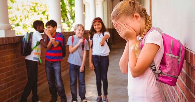 Подростки часто страдают социофобией