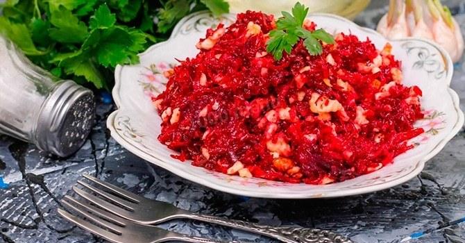 Полезные свойства салатов и других блюд из свеклы