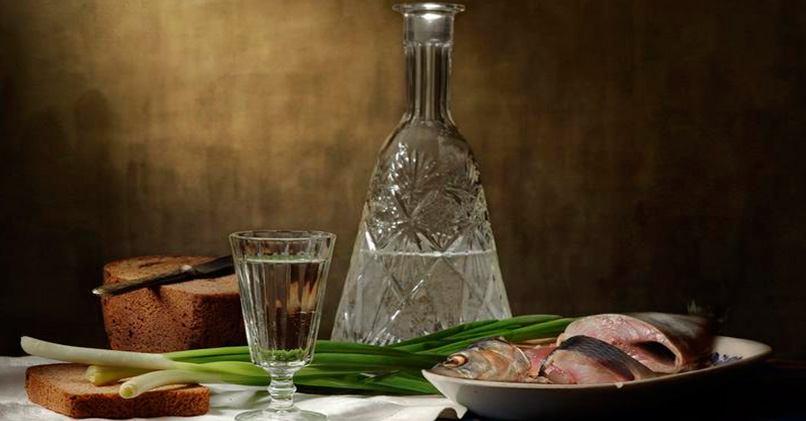 Полезно ли пить водку, закусывая хлебом