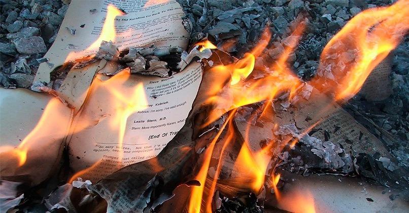 Сожгите тетрадь с записанными негативными воспоминаниями