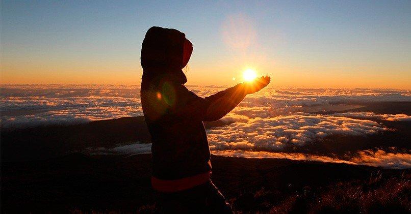 Рассвет в горах поднимает настроение