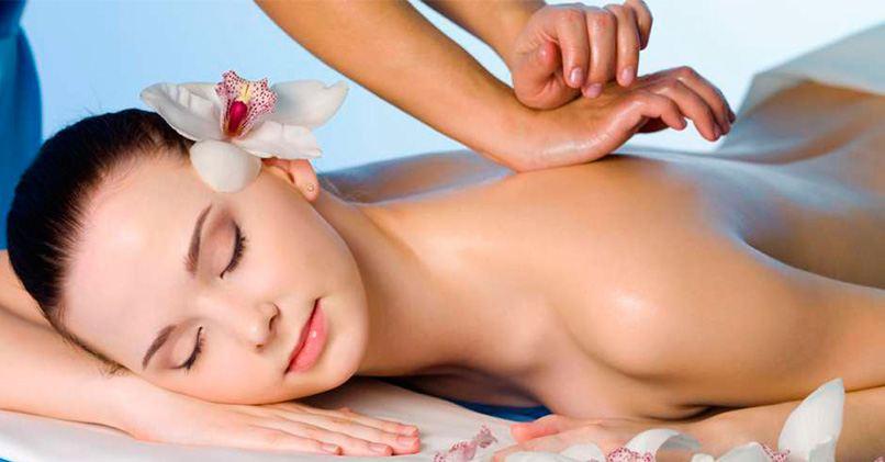 Шведский массаж успокаивает и расслабляет