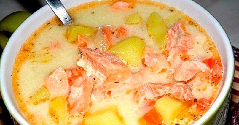 Суп с консервированной горбушей и плавленым сыром