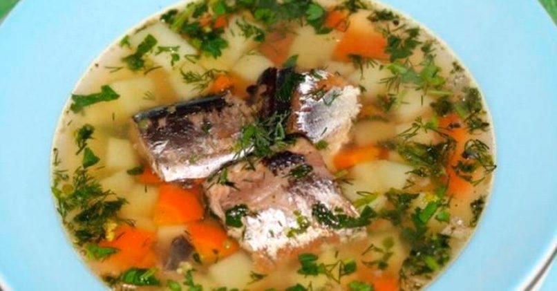 Суп с консервированной горбушей и рисом