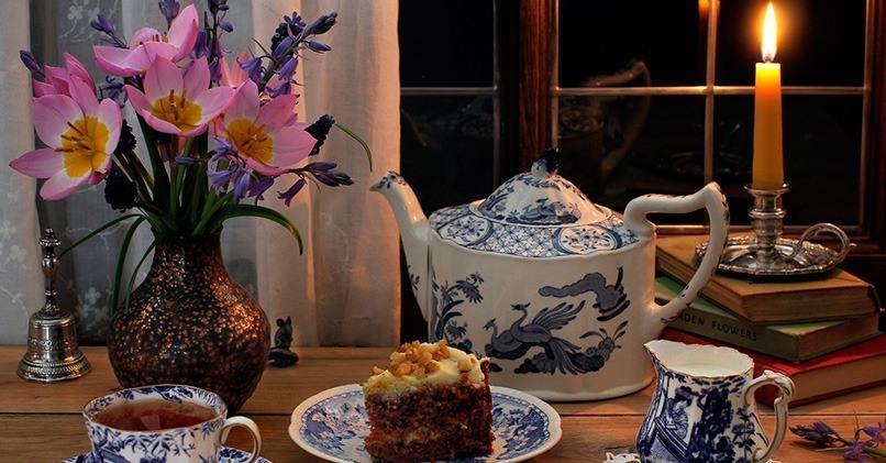 Вечерний чай с тортом