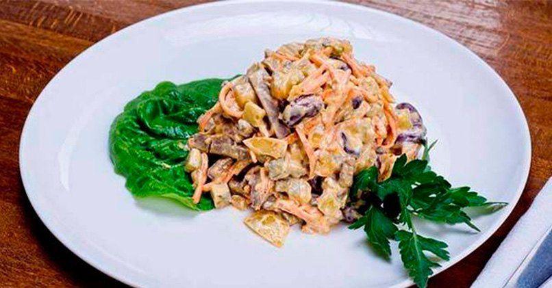 Рецепт салата Обжорка с фасолью