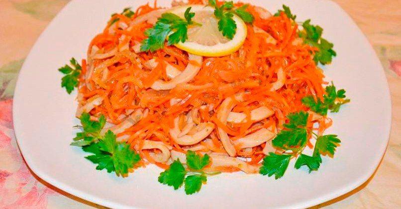 Рецепт салата Обжорка с корейской морковью и кальмарами