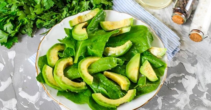 С авокадо и шпинатом