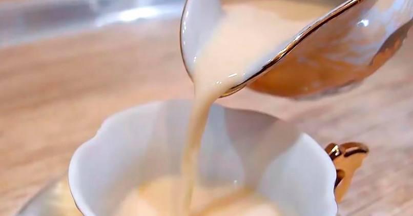 Топленое молоко готовится дома за несколько часов