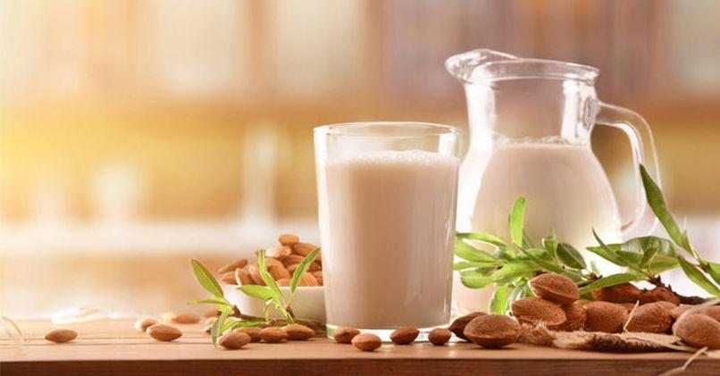 Топленое молоко – польза и вред для мужчин и женщин