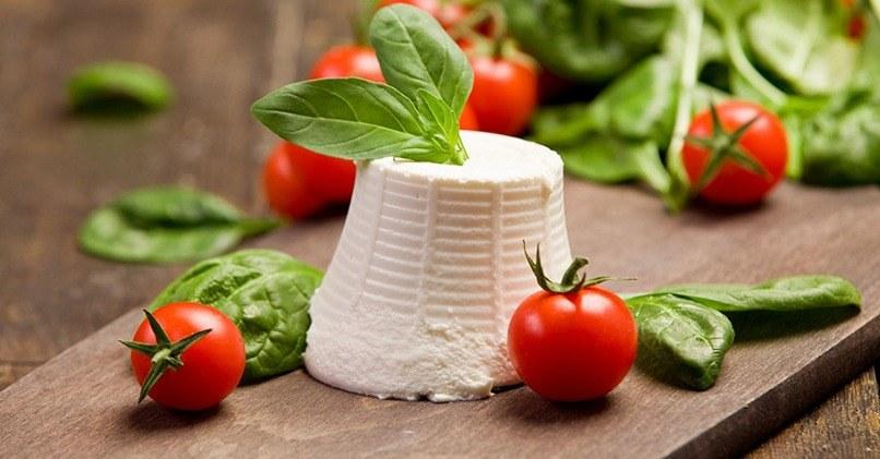 Рикотта хорошо сочетается со свежими овощами