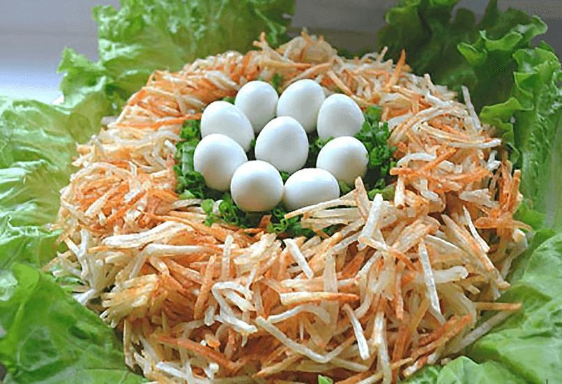 Салат Пасхальное гнездо