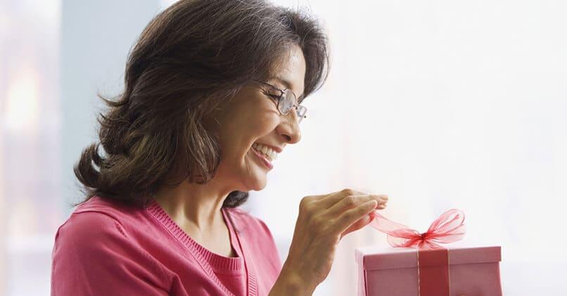 Что подарить тете на день рождения