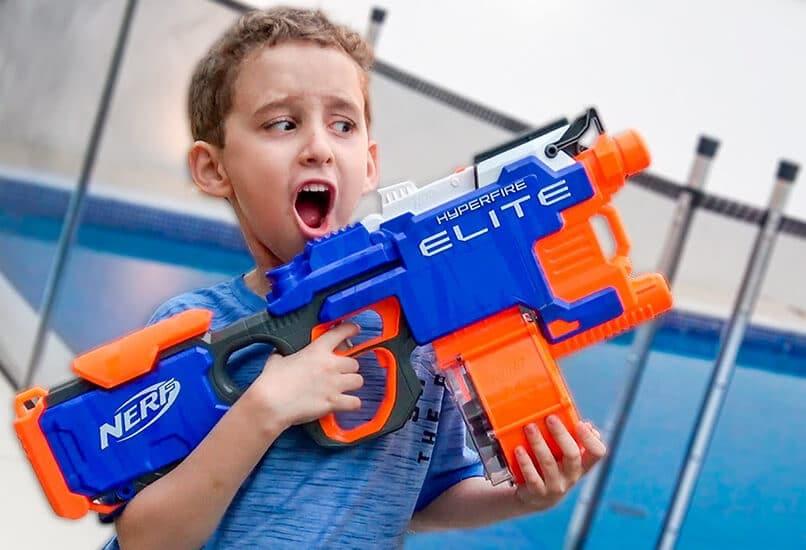 Крутое оружие покорит сердце любого мальчишки