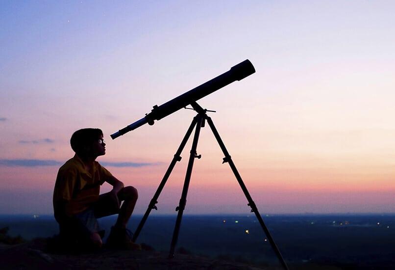 Телескоп – отличный подарок для мальчика