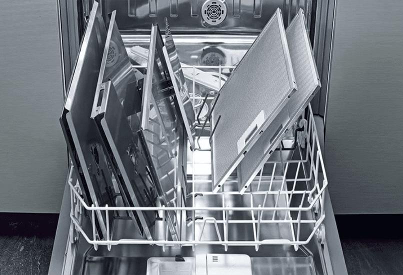 В посудомоечной машине
