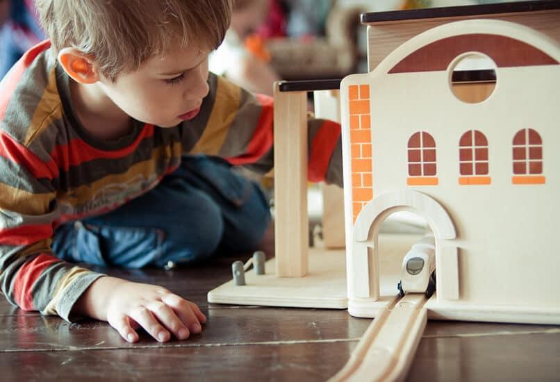 Железная дорога для мальчика 7 лет