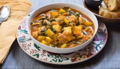 Овощное рагу с картошкой и курицей
