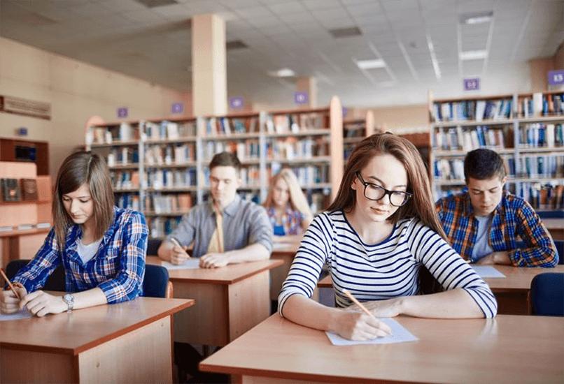 Среднее полное образование