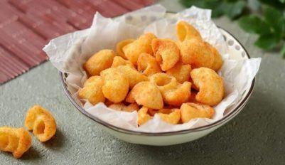 Чипсы из макарон на сковороде