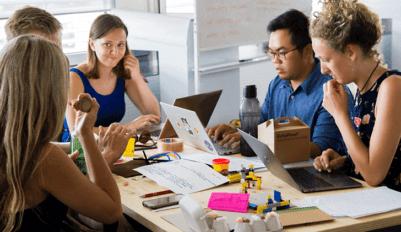 Комьюнити-менеджер – кто это такой и что он делает